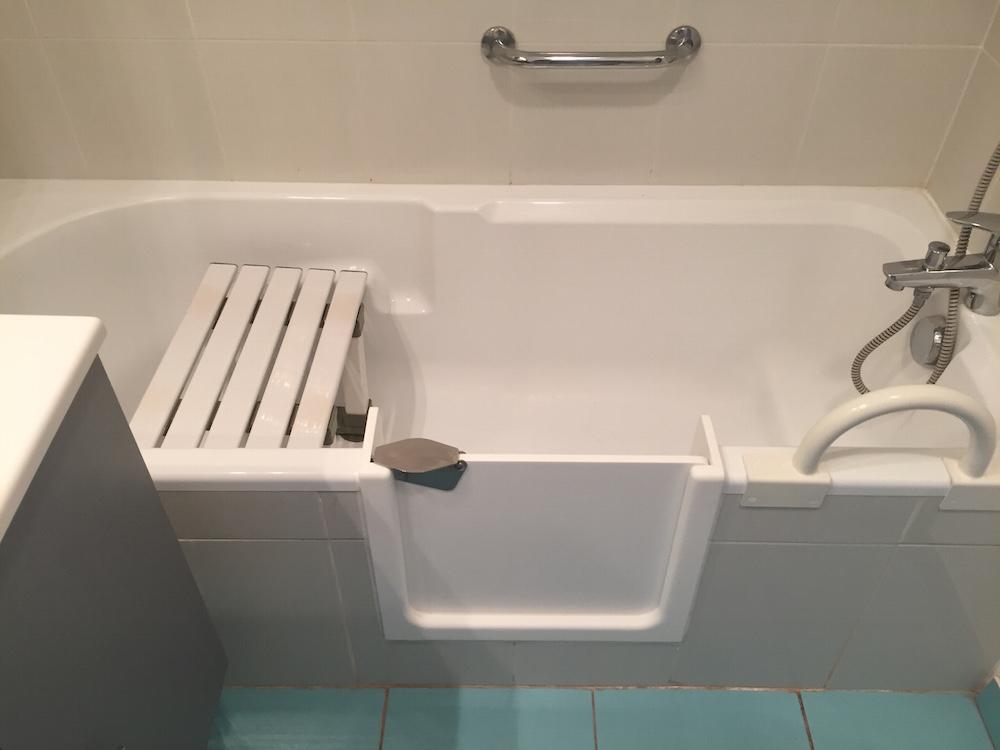 ouverture baignoire gallery of baignoire douche avec. Black Bedroom Furniture Sets. Home Design Ideas