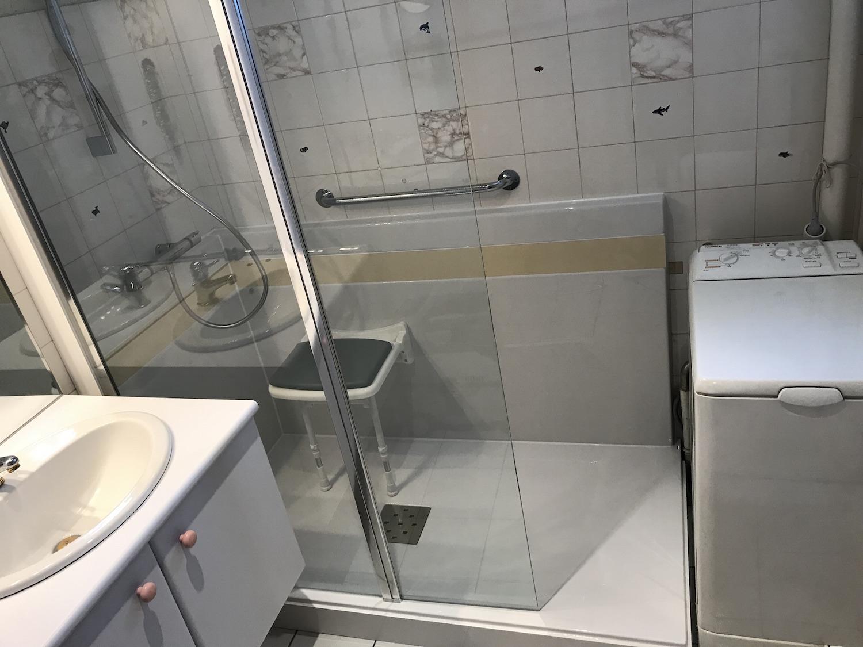 Transformation d 39 une baignoire en douche mont limar - Transformer une baignoire en douche ...
